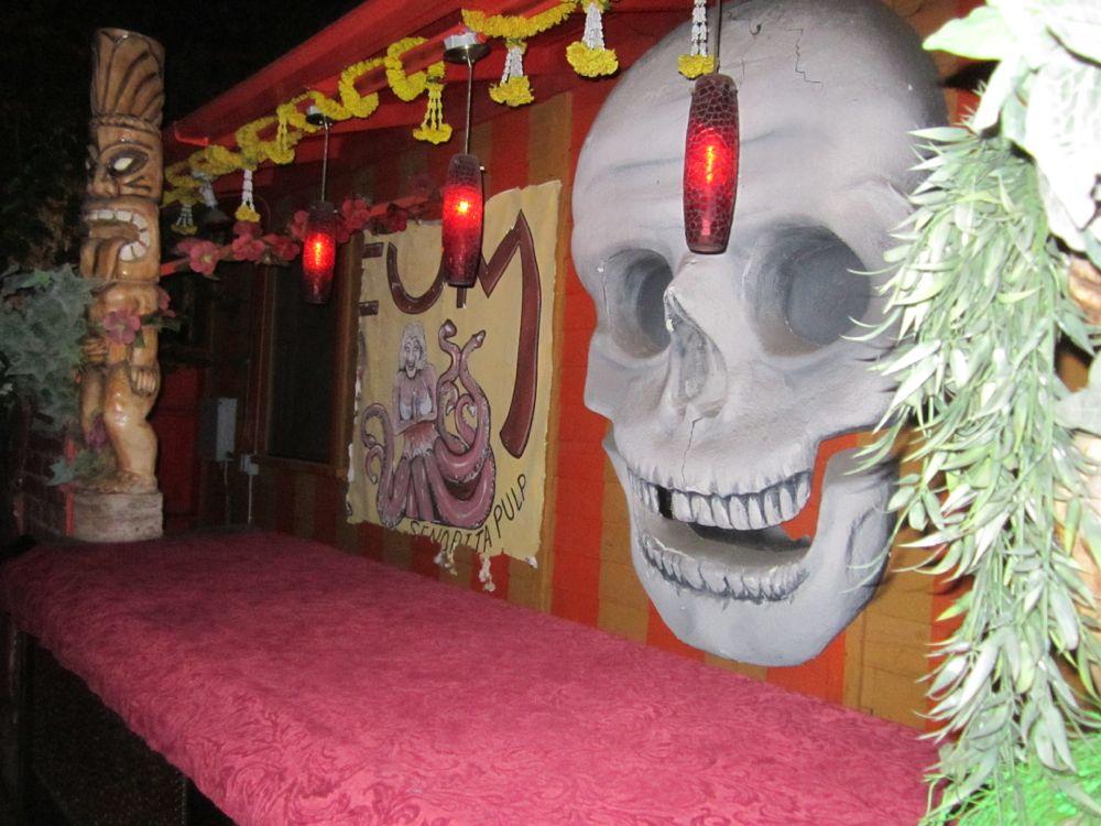 Tiki and skull.